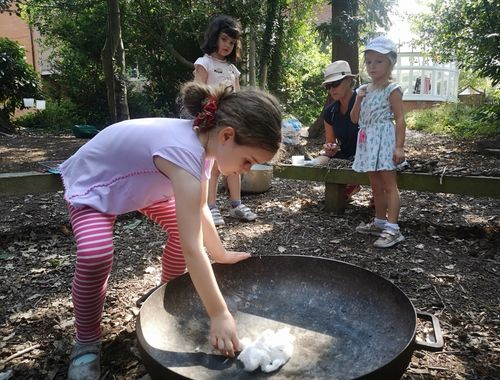 Forest school Summer Club Rydes Hill 1c