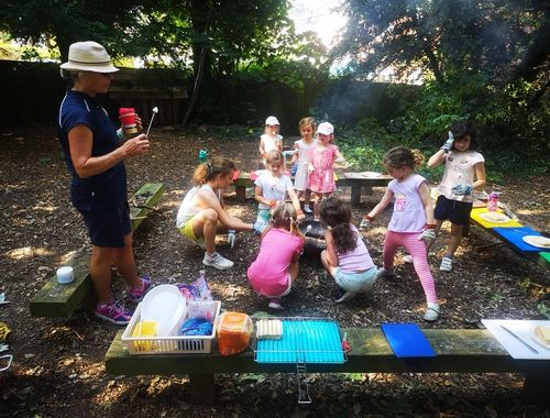 Forest school Summer Club Rydes Hill 3